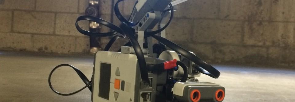 Tower Defense Bot: A Ball-Launching Guardian