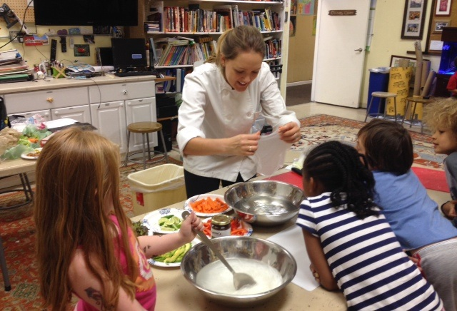 teacher-cooking-with-kids